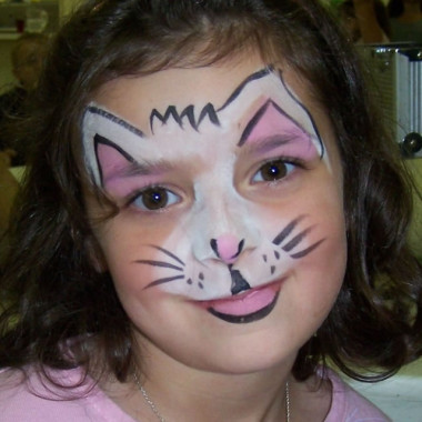 558ff0020 Face painting is $90 for the first hour and $75 for every hour after.